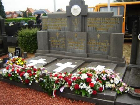 Le monument polonais de De Klinge, où reposent 3 soldats polonaisdu 8 Batallion