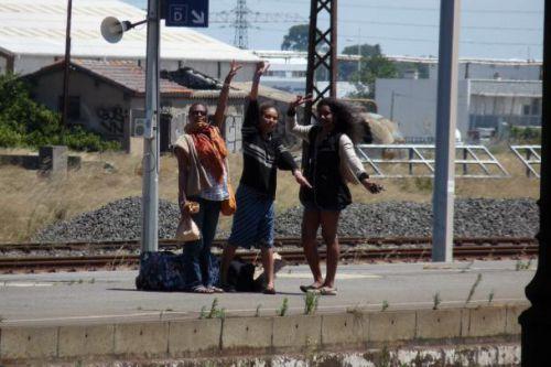 Déborah accompagne le départ de Pupune et Sandrine