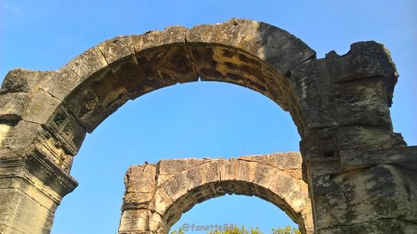 mini arc de triomphe Cavaillon 3.jpg