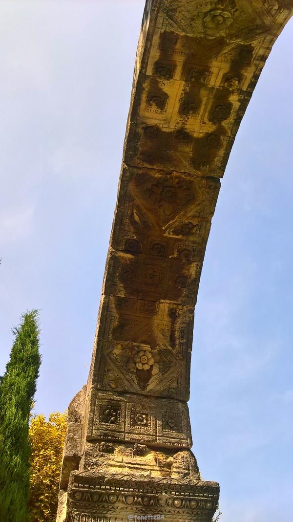 mini arc de triomphe Cavaillon.jpg