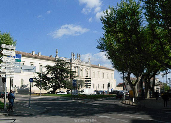 carpentras_centre_ville (24).JPG