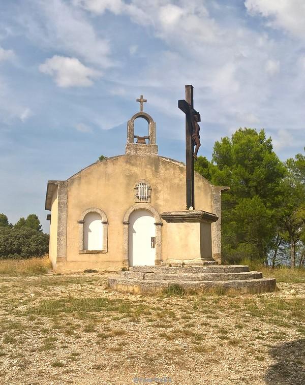 chapelle ste Anne Vedéne 10.jpg
