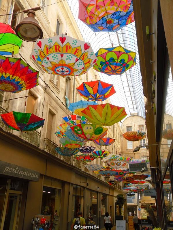 2019-6-6_carpentras_parapluies (9).JPG