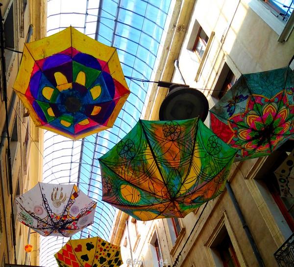 2019-6-6_carpentras_parapluies (3).jpg
