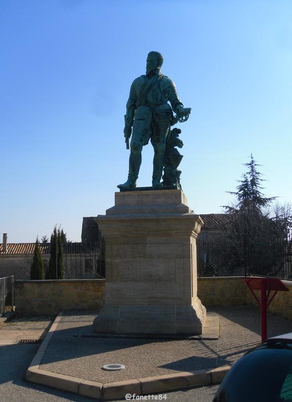 statue crillon-le-brave (1).JPG