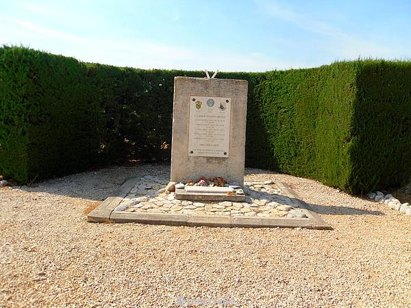 2019-18-7_travaillan memorial (1).JPG