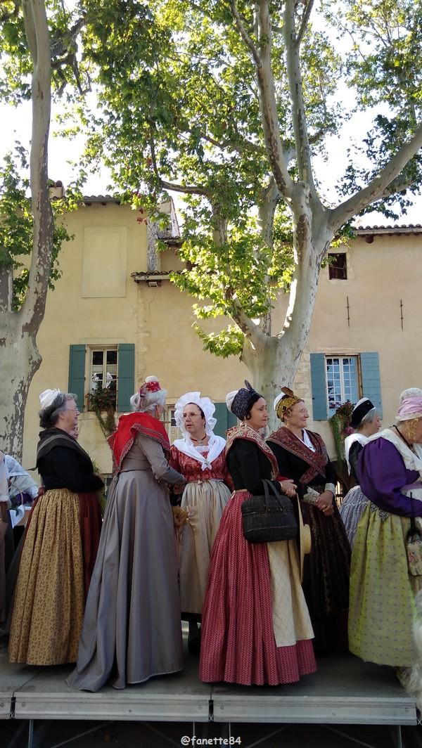 2019-8-9_pernes_6eme_fete_costume_provencal (35).jpg