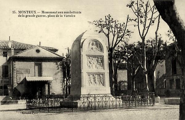 CPmonteux_monument_morts.jpg