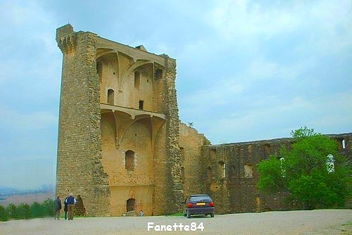 chateauneuf-du-pape_chateau_ruines (5).JPG