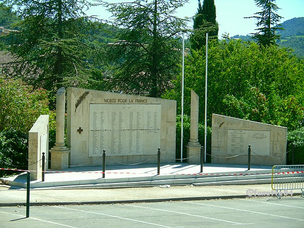 vaison monument morts.jpg