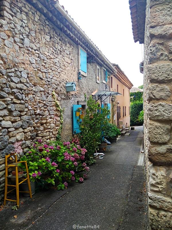 lioux  ruelle (46).jpg