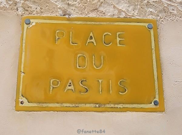 lioux_place-pastis.jpg