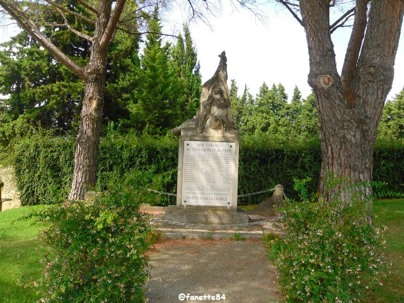 chateauneuf_du_pape_monument_morts_guerre14 (5).JPG