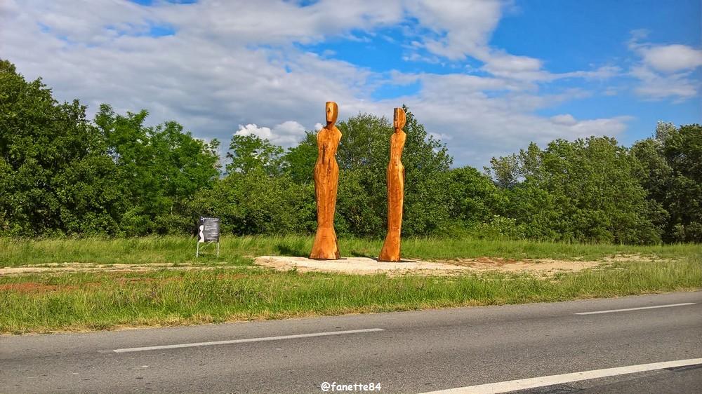 sculpture en bois 2.jpg