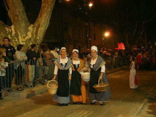 Costumes de Provence.