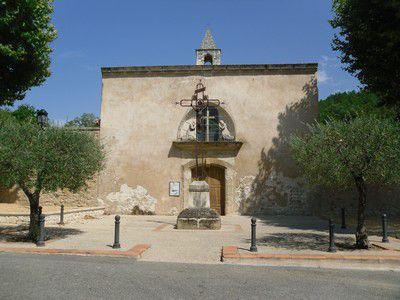 Entrée du cimetiére de la chapelle des Pénitents à Mondragon