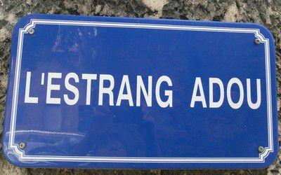 Plaque de rue à Piolenc