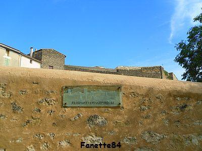 Remparts à Entraigues sur La Sorgue