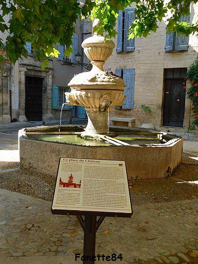 Fontaine du château à Caromb