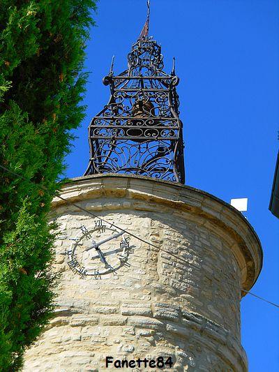Magnifique campanile à Caromb