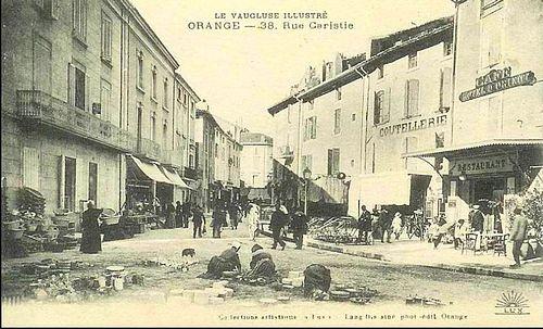 Orange. Rue Caristie