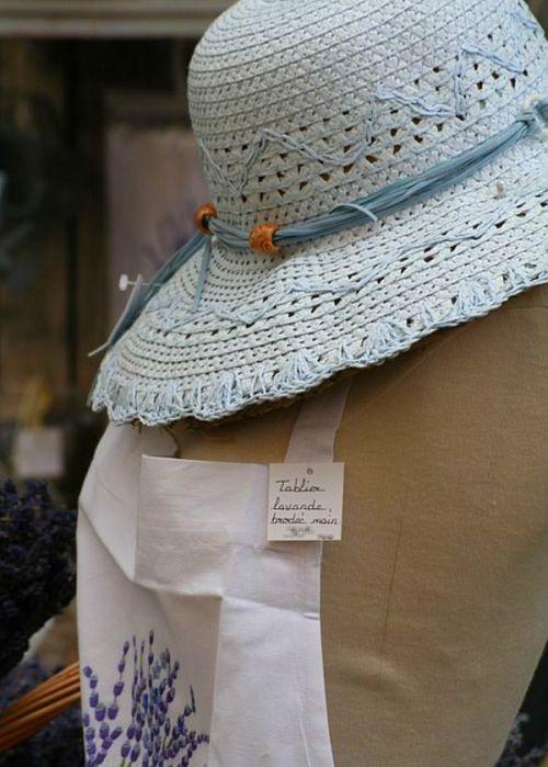 Chapeau et tablier provence