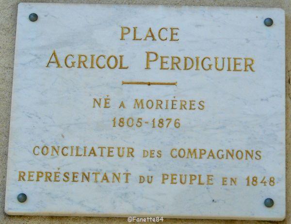 Morières lès Avignon. Place Agricol Perdiguier