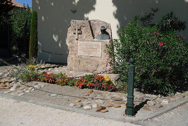 Morières lès Avignon. Monument aux Morts