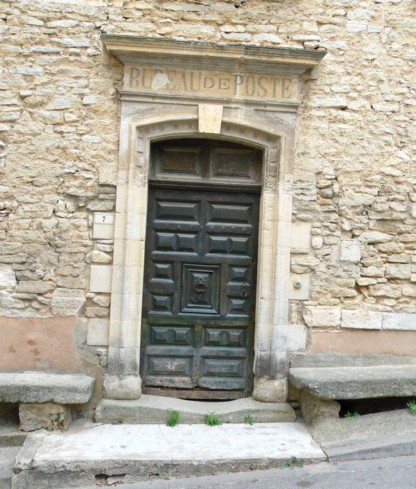Ancien bureau de poste à Goult