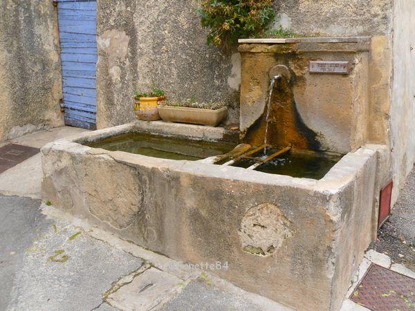 Fontaine à Saumane