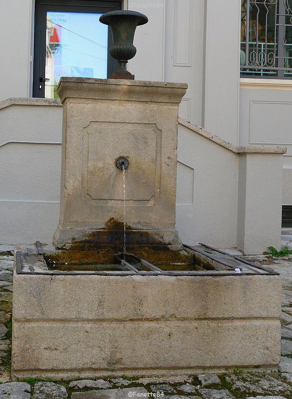 Fontaine à Malaucéne