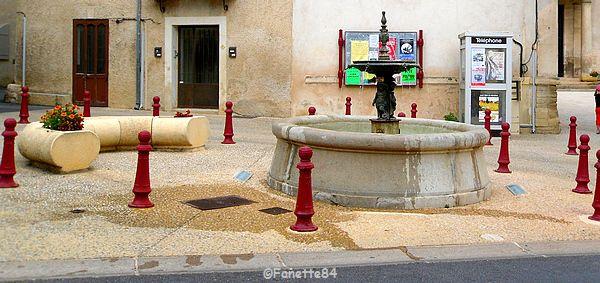 Fontaine à Lagnes