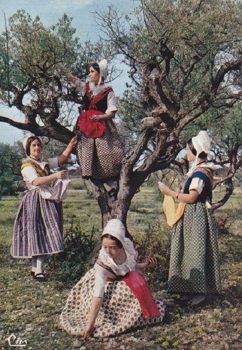 Dames provençales à Vedéne