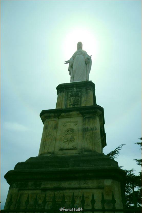 Statue de la Vierge à Orange