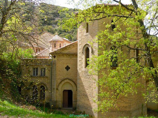 Eglise vue de derriére à St Gens
