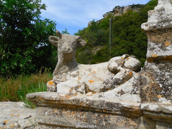 Statue de la vache de St Gens
