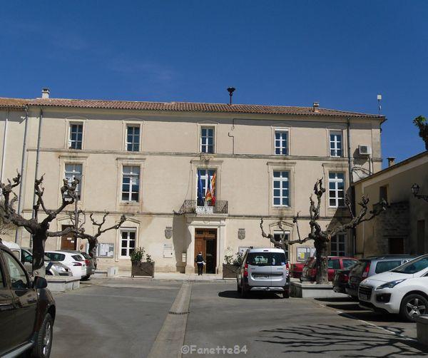 Mairie à Sarrians