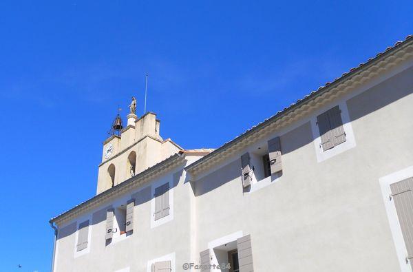 Haut du clocher à Sarrians