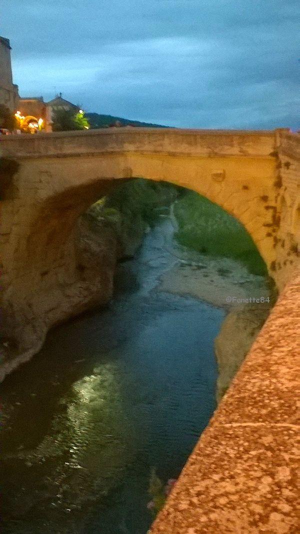 Vaison la Romaine. Pont Romain