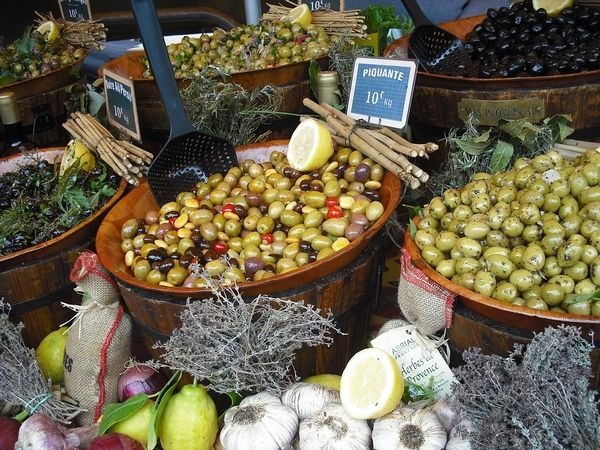 Paniers olives Marché en Vaucluse