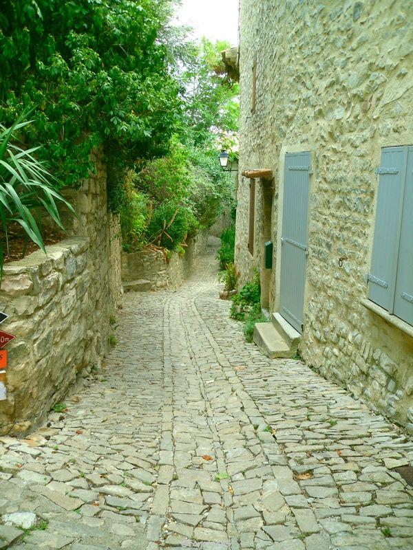 Rue caladée à Séguret