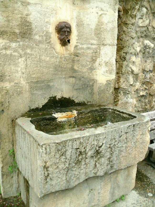 Fontaine Marie-Rose à Mazan