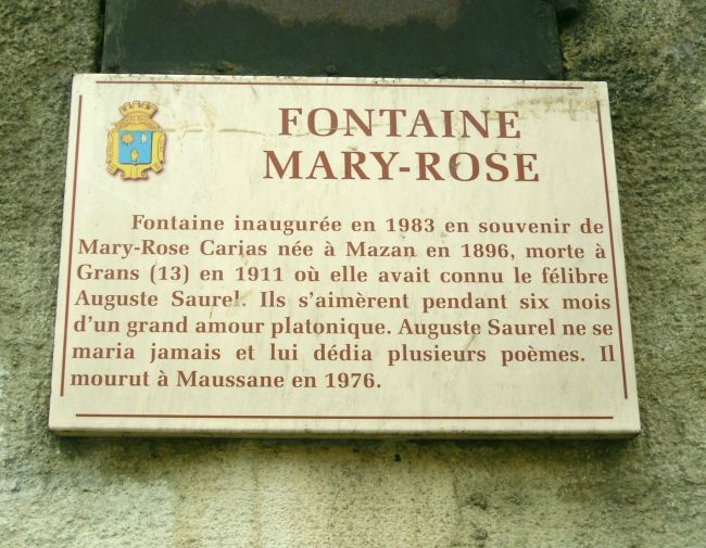 Plaque de la fontaine Marie-Rose à Mazan