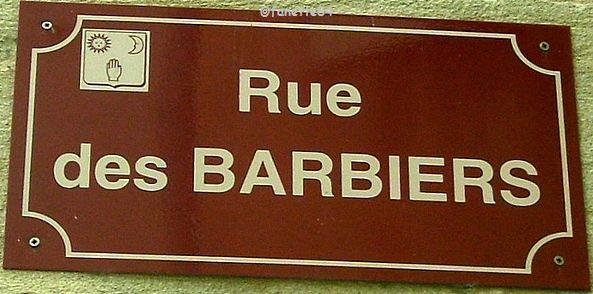 Plaque de rue des Barbiers à Mazan