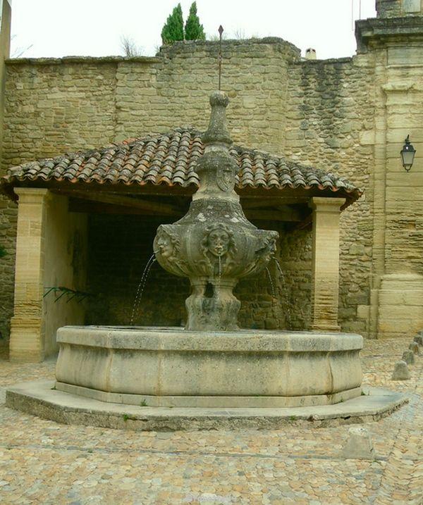 Fontaine de Malemort du Comtat