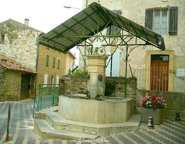 Fontaine à Malemort du Comtat