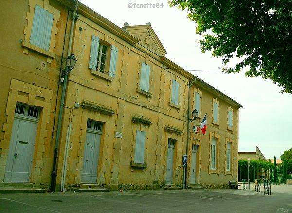 Anciènne mairie de Malemort Du Comtat