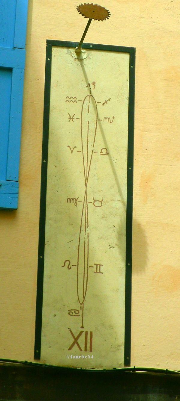 Cadran solaire à Mormoiron
