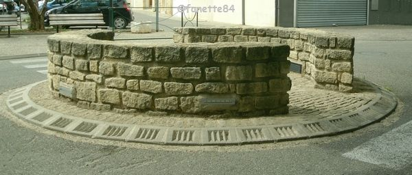 Rond point de Mormoiron