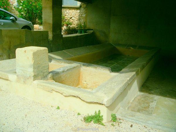 Lavoir à Méthamis